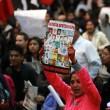 Città del Messico, scontri davanti parlamento per 43 studenti scomparsi09