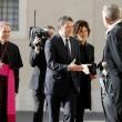 Matteo Renzi dal Papa con moglie e figli, sorrisi e strette di mano 01