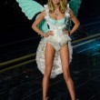 Victoria's Secret Fashion Show: 47 modelle in ali dorate, piume e total black021