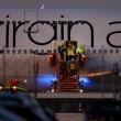 Londra, aereo Virgin atterra con un solo carrello07