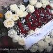 Andrea Loris Stival, fiori di Veronica Panarello restano fuori dalla chiesa 2
