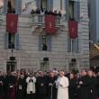 """Papa Francesco abbraccia Marino: """"Mi ha detto che prega per me e per Roma"""" 05"""