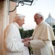 Papa Francesco-Ratzinger: doppia intervista (e due linee) sui divorziati risposati
