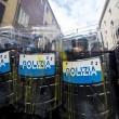 Jobs Act: uova contro agenti, polizia carica corteo studenti e Cobas a Roma22