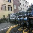 Jobs Act: uova contro agenti, polizia carica corteo studenti e Cobas a Roma6116