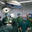 Cina, selfie in sala operatoria accanto al paziente: medici sanzionati03