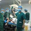 Cina, selfie in sala operatoria accanto al paziente: medici sanzionati01