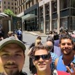 Sydney, selfie della vergogna: turisti davanti cioccolateria con 30 ostaggi dentro 05