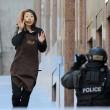 Sydney, 5 ostaggi liberati: cameriera tra le braccia dei poliziotti FOTO-VIDEO 2