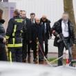Parigi, spara a 2 agenti e fugge08