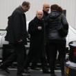 Parigi, spara a 2 agenti e fugge14