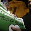 Charlie Hebdo quasi esaurito a Parigi: file a edicole dall'alba 03