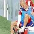 Bayern, Arjen Robben morso da un coccodrillo in Qatar FOTO