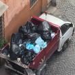 Roma, camion dei rifiuti abbandonato in divieto di sosta per 3 giorni 03