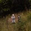 VIDEO YouTube, mascherati e armati fissano persone nel parco: paura ad Auckland 03