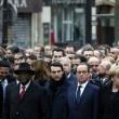 Parigi marcia per la libertà. Capi di Stato in prima fila sotto braccio 05