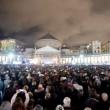 Pino Daniele, funerali Napoli: folla canta in piazza Plebiscito3