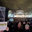 Pino Daniele, funerali Napoli: folla canta in piazza Plebiscito5