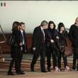Vanessa e Greta in Italia: sguardo perso e occhiaie profonde FOTO