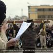 Isis, FOTO esecuzioni online: lapidati, crocifissi, lanciati. Un monito?7