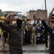 Isis, FOTO esecuzioni online: lapidati, crocifissi, lanciati. Un monito?5