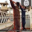 Isis, FOTO esecuzioni online: lapidati, crocifissi, lanciati. Un monito?4
