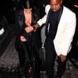 Kim Kardashian a New York con l'abito scollato: seno ben in vista11