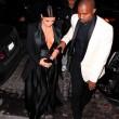Kim Kardashian a New York con l'abito scollato: seno ben in vista06
