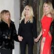 Kate Hudson, sexy abito tutto tagliato alla sfilata di Versace06