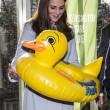 Kate Middleton, sesto mese gravidanza: all'evento benefico è sorridente e in forma 18
