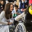 Kate Middleton, sesto mese gravidanza: all'evento benefico è sorridente e in forma 02