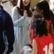 Kate Middleton, sesto mese gravidanza: all'evento benefico è sorridente e in forma 05