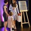 Kate Middleton, sesto mese gravidanza: all'evento benefico è sorridente e in forma 6