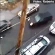 VIDEO YouTube: suv pattina sulla strada ghiacciata evitando le auto parcheggiate3