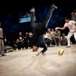 Roberto Mancini, pallonata in faccia e ironia del web 4