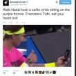 Rafael Nadal come Francesco Totti: selfie a bordo campo prima del match03