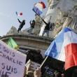 """Parigi marcia contro terrore. La matitona simbolo: """"Not afraid"""" 05"""