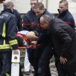 Charlie Hebdo, VIDEO YouTube: terroristi uccidono poliziotto in diretta22