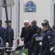 Charlie Hebdo, VIDEO YouTube: terroristi uccidono poliziotto in diretta11