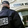 Charlie Hebdo, VIDEO YouTube: terroristi uccidono poliziotto in diretta07