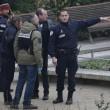 Charlie Hebdo, VIDEO YouTube: terroristi uccidono poliziotto in diretta06