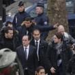 Charlie Hebdo, VIDEO YouTube: terroristi uccidono poliziotto in diretta04
