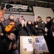 Pino Daniele, flash mob Piazza del Plebiscito09