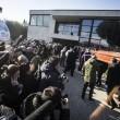 Pino Daniele, funerali Roma: lungo applauso accoglie feretro in chiesa 21