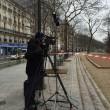 Charlie Hebdo, giornalisti sotto il fuoco dei terroristi scappano su tetti 05
