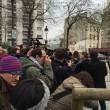 Charlie Hebdo, giornalisti sotto il fuoco dei terroristi scappano su tetti 04