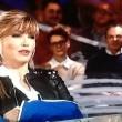 """Milly Carlucci alle Invasioni Barbariche: """"Sono caduta come una capra"""" VIDEO"""