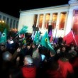 Tsipras stravince in Grecia: festa in piazza sulle note di Bella Ciao06