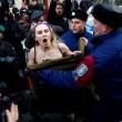 Sofia: Femen, protesta a seno nudo contro Putin04