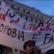 """VIDEO YouTube, Sentinelle in piedi contestate a Genova: """"Fascisti, bigotti e omofobi"""" 4"""